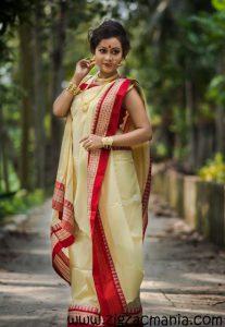 How to drape a Sari in Bengali Style