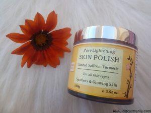 Aura Vedic Pure Lightening Skin Polish with Sandal, Saffron & Turmeric Review
