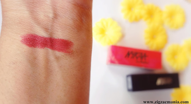 Nykaa So Matte Lipstick (Naughty Nude 11) Review & Swatch