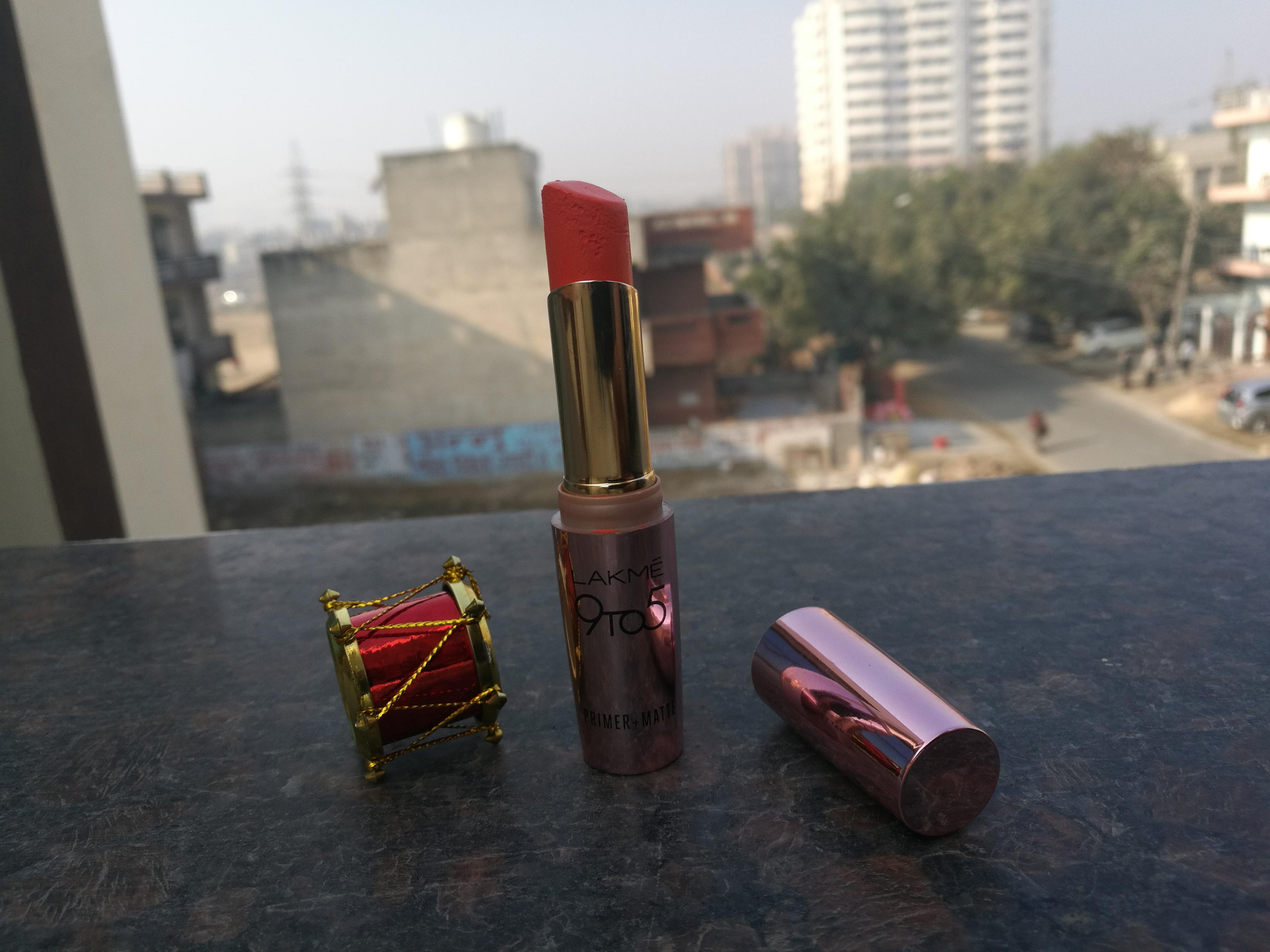 Lakme 9 To 5 Primer + Matte Lipstick Saffron Gossip (MR7): Review & Swatches