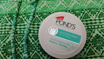 Pond's Light Moisturiser Review