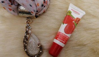 Patanjali Strawberry Lip Balm Review