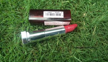 Maybelline Colorsensational Lipstick in Glamorous Red| Review & Swatch
