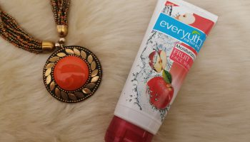 EverYuth Naturals Moisturizing Fruit Face Wash (Apple)|Review