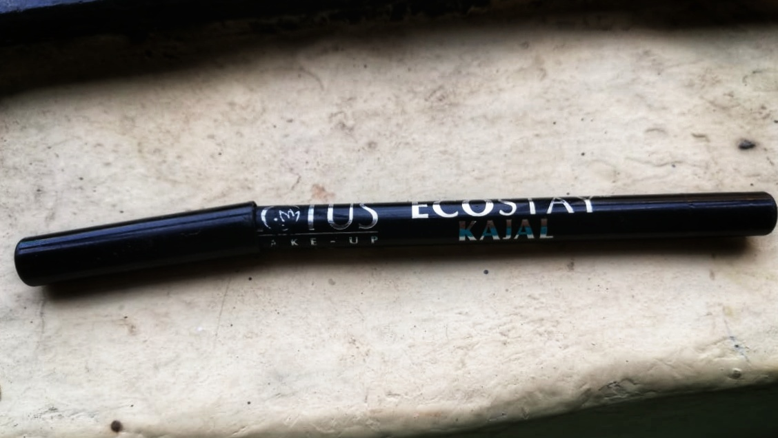 Lotus Ecostay Kajal Review| Review & Swatch