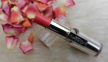 L'Oreal Caresse Lipstick Dating Coral |Review & Swatch