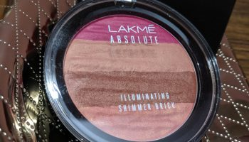 Lakme Illuminating Powder Review