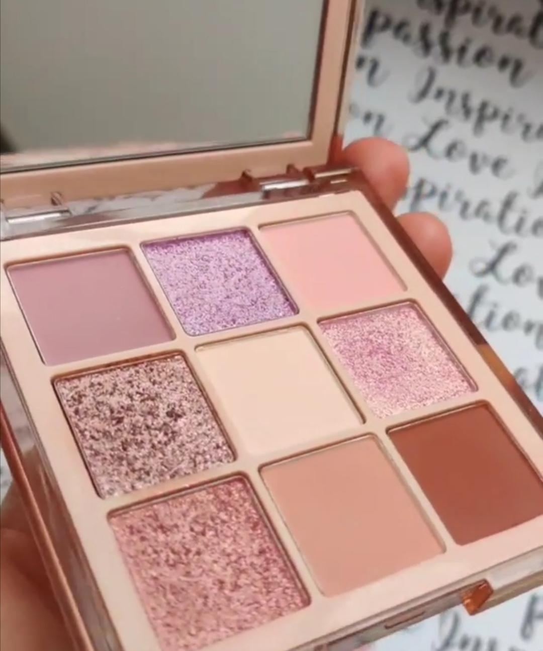 Huda Beauty Nude (Light) Obsessions Eyeshadow Palette