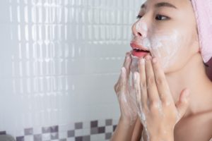 Best 5 Face Scrub Available In India