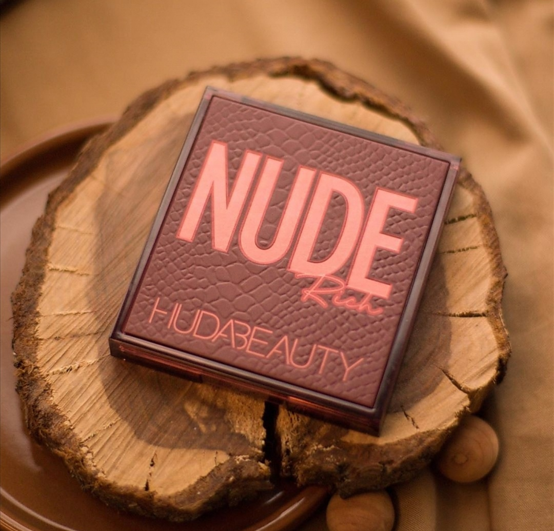 Huda Beauty Nude Rich Obsessions Eyeshadow Palette