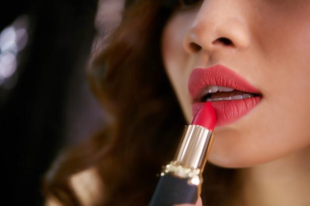 Best 5 Lipsticks Under 150 Rs In India